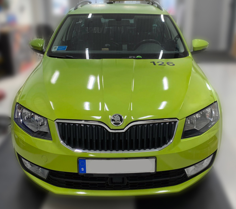 helfoliering fordonsprofil grön bil